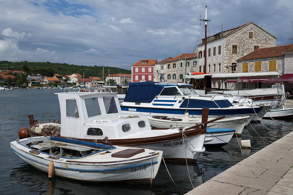 Hafen von Starigrad